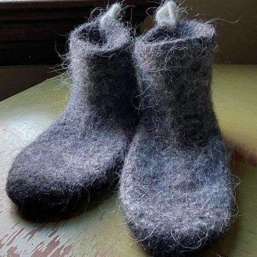 Kosy Sheep Nordic Attitude Slipper Socks. Front View.